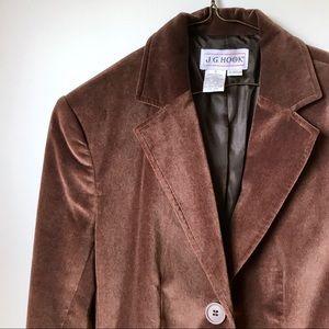 • the vtg velvet blazer